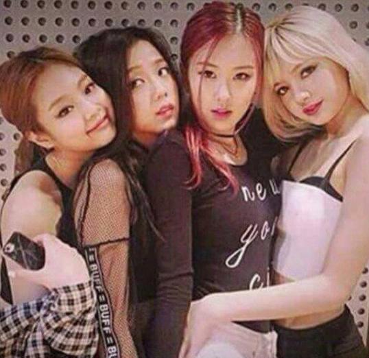 160610 Jennie-Jisoo-Chaeyoung-Lisa
