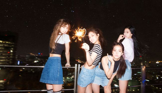 "[YG-LIFE] 160813 BLACKPINK's ""WHISTLE"" Back at No.1, and ""BOOMBAYAH"" MV Surpasses 10 Million Views"