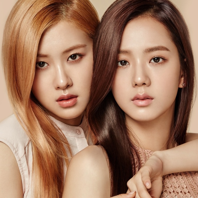 [ENDORSEMENT] Jisoo & Rosé for moonshot Face Perfection Balm Cushion