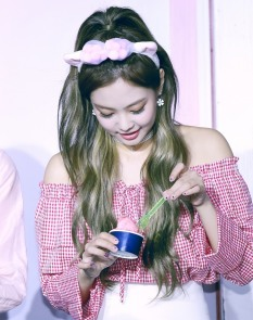 170701 ICE CREAM EVENT JENNIE_10