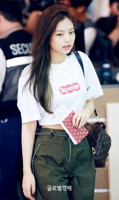 170717 GIMPO AIRPORT JENNIE_6
