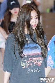 170721 GIMPO AIRPORT JENNIE_3