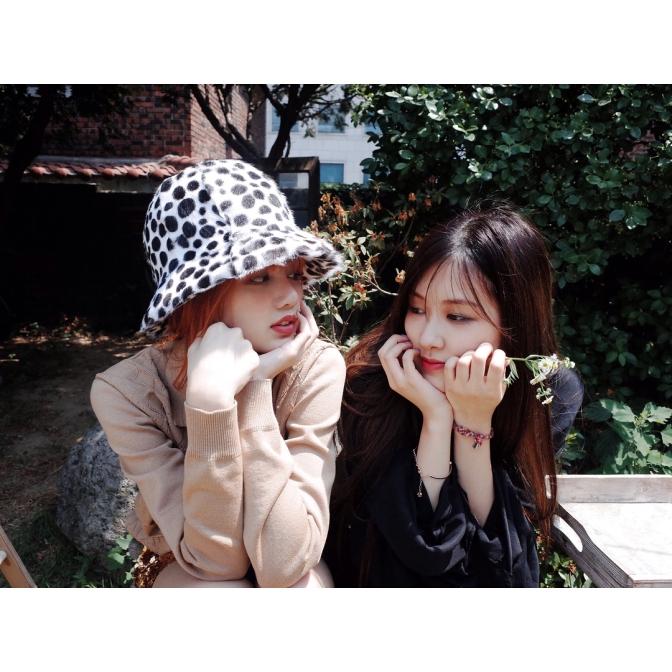 [YG-LIFE] 170730 BLACKPINK's Lisa and Rosé Show Off their Innocent Looks