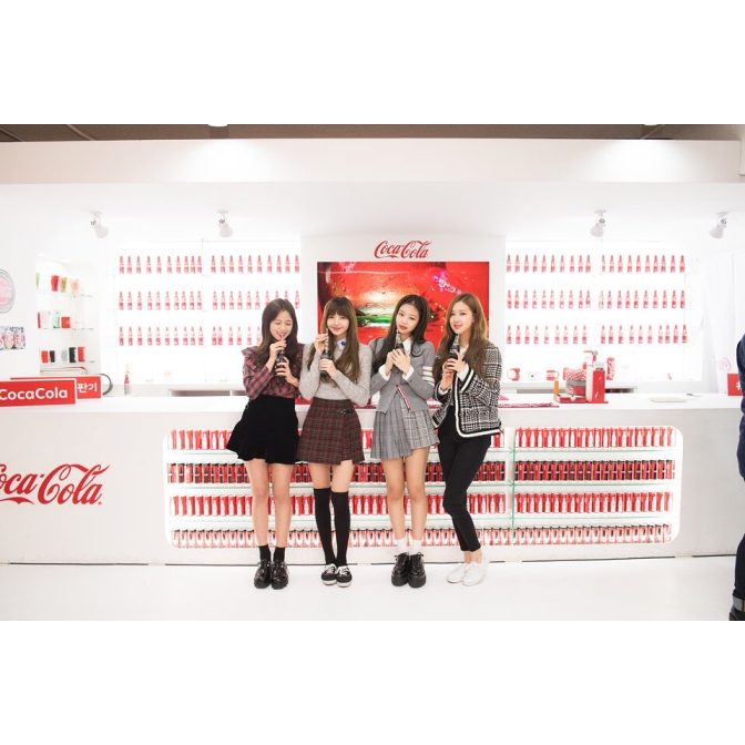 [IG/TRANS] 180202~14 blackpinkofficial Updates: Thailand Vacation, Rosé's Birthday, Coca Cola Giant Vending Machine Event & More
