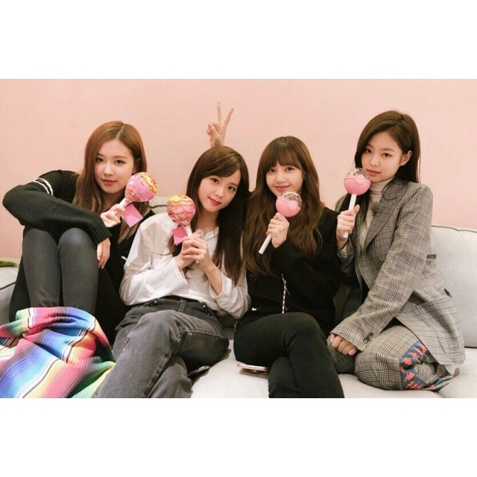 [IG/TRANS] 180302~24 blackpinkofficial Updates: Jeju Trip, New TikTok Video, Behind Photo Stills Filming for BLACKPINK House & More