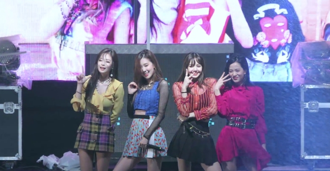 [FANCAMS] 180516 BLACKPINK at Myeongji University Festival (Humanities Campus)