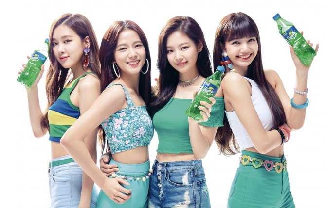 [YG-LIFE] 180516 YG's YANG HYUN SUK Announces BLACKPINK's Comeback on June + Official Cheering Light Sticks Revealed