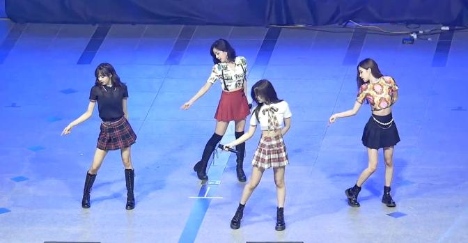[FANCAMS] 180524 BLACKPINK at Hanyang University Festival (Samsung Odyssey College Game Festival Grand Finals)