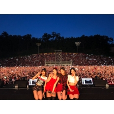 180525 blackpinkofficial 3 korea university festival_2