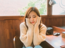 180621 roses_are_rosie photos beforedyeing my hair red_1