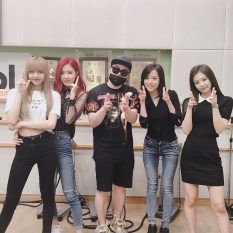 180628 junmusicshow 2 blackpink with moon heejun_2