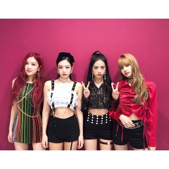 180714 blackpinkofficial To all our Blinks who are supporting us_32