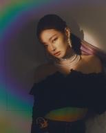 180714 jennierubyjane 3 rainbow light_3