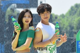 180721 waterbomb jennie dohwan_16