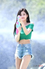 180721 waterbomb jennie_123