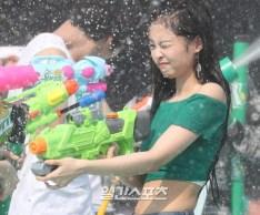 180721 waterbomb jennie_245
