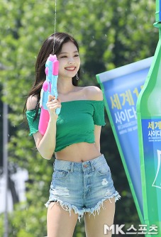 180721 waterbomb jennie_283