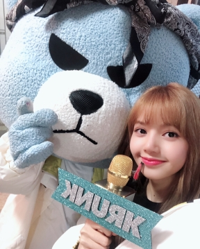 180620 krunk_official with lisa