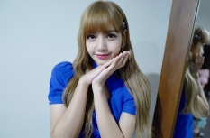 180811 moonshot_korea 1 lisa fan event indonesia repost lalalalisa_m_1