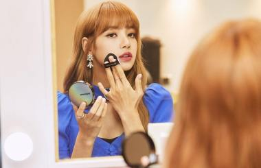 180812 moonshot_korea 2 lisa fan event indonesia final check-up before going on stage