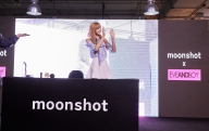 180812 moonshot_korea 3 lisa fansign event thailand day1_2