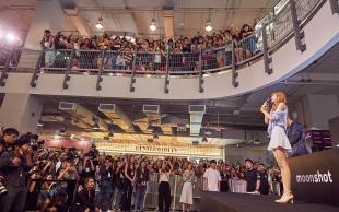 180812 moonshot_korea 3 lisa fansign event thailand day1_3