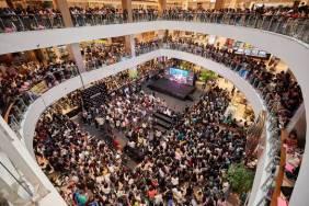 180813 lisa x moonshot fansign event in thailand 1