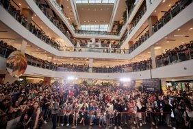 180813 lisa x moonshot fansign event in thailand 2