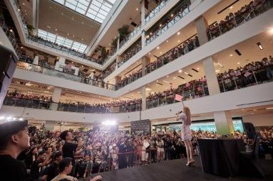 180813 lisa x moonshot fansign event in thailand 5