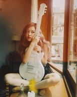 180814 roses_are_rosie 3 distracted on set_2