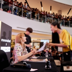 180816 moonshot_korea lisa fansign event thailand day2_3