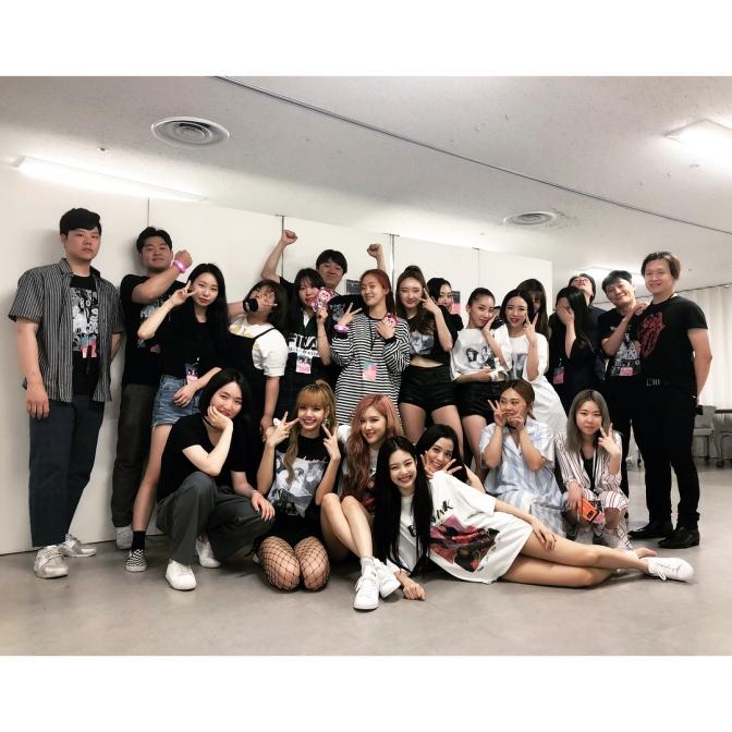 [SNS] YG Dancers, Staff & Friends with BLACKPINK Backstage of Japan Arena Tour 2018