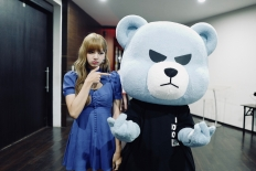 180811 lalalalisa_m 2 with krunk_official_2