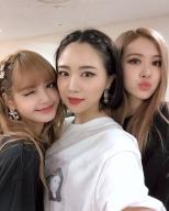 180827 sara_1128 super kawaii girls with blackpink_2