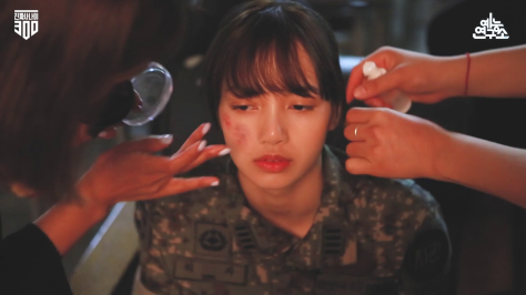 180830 real men 300 poster photoshoot lisa caps_2