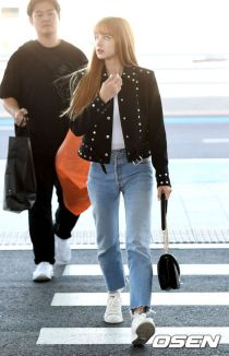 180908 incheon airport lisa_4