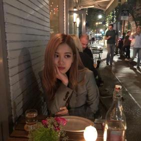 180913 roses_are_rosie 3 dinner in NY 1