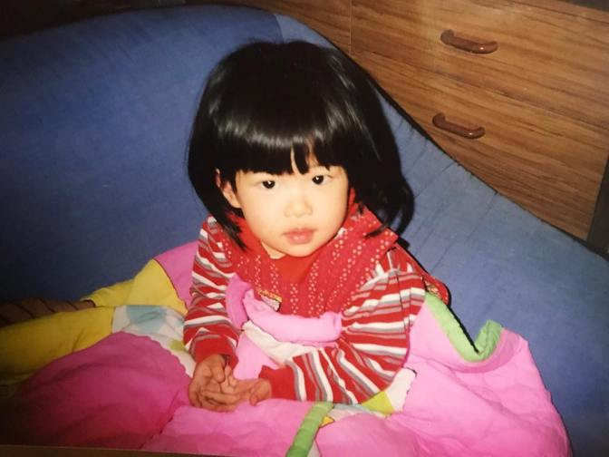 [YG-LIFE] 180925 BLACKPINK ROSÉ Reveals 'Cutie' Photo from Her Childhood to Celebrate Chuseok