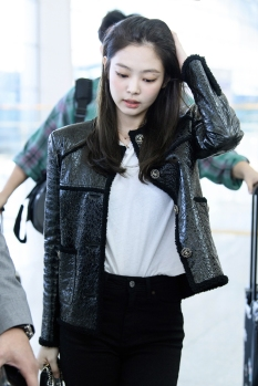 180930 incheon paris jennie 1