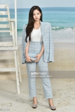 PARIS, FRANCE - OCTOBER 02: Jennie Kim attends the Chanel show as part of the Paris Fashion Week Womenswear Spring/Summer 2019 on October 2, 2018 in Paris, France. (Photo by Stephane Cardinale - Corbis/Corbis via Getty Images)