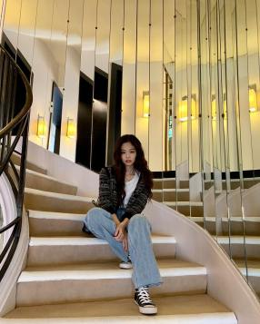 181002 jennierubyjane 1 had a beautiful tour at chanelofficial 1