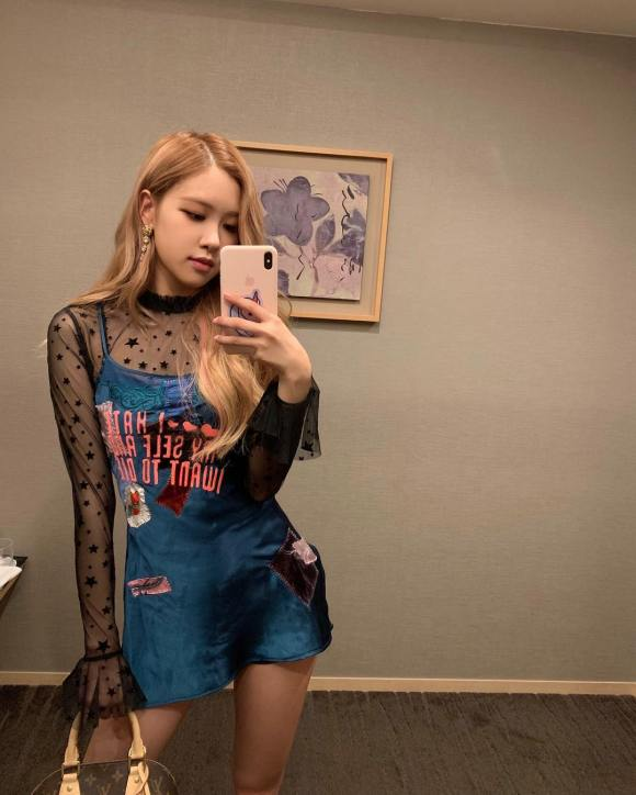 181010 roses_are_rosie work work work