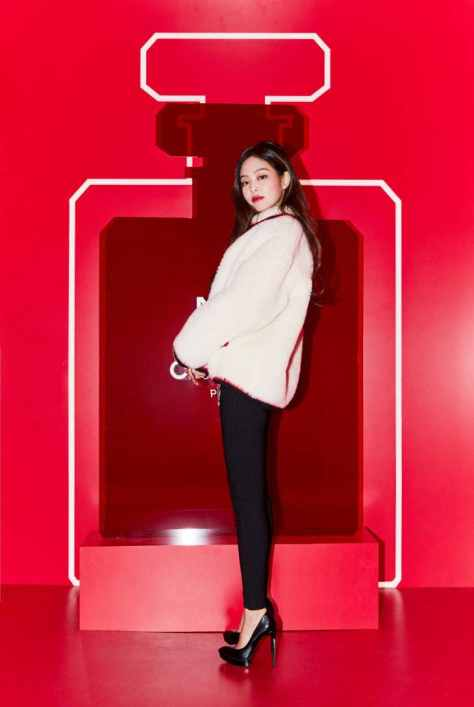 181013 press chanel red museum jennie 2