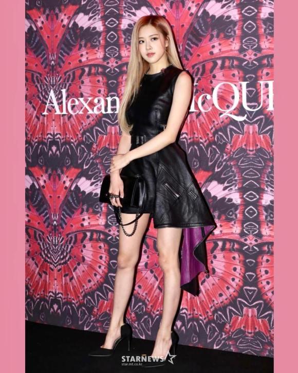 181019 roses_are_rosie 1 alexandermcqueen